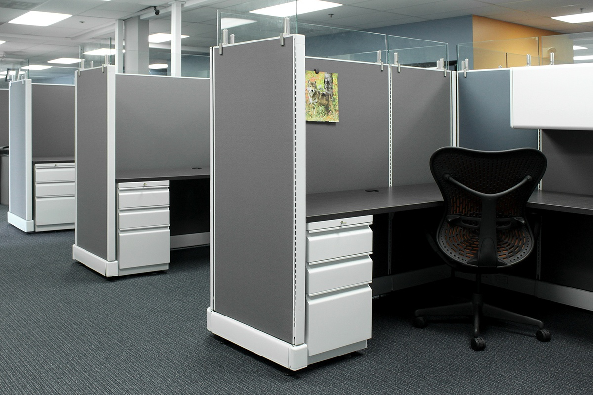 This conpany utilized high wall workstations.